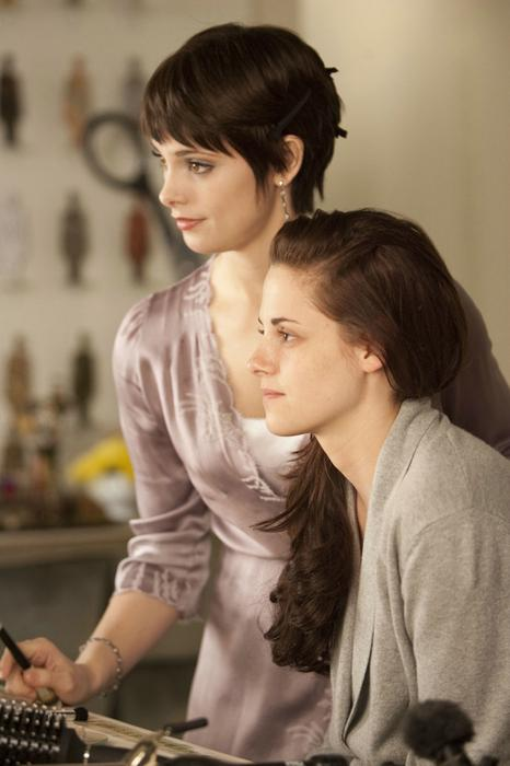 Twilight Saga: Breaking Dawn - Part 1, The, Kristen Stewart, Ashley Greene