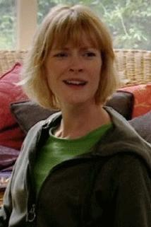 Claire Skinner