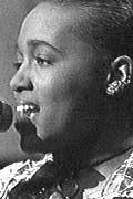 Dionne Farris