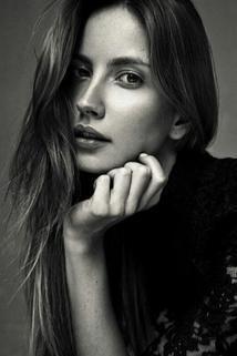 Ester Berdych Sátorová