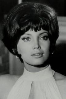 Gayle Hunnicutt