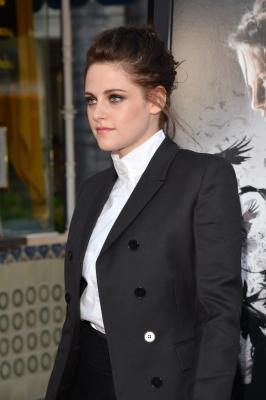 Kristen Stewart Size on Click To Show Regular Size