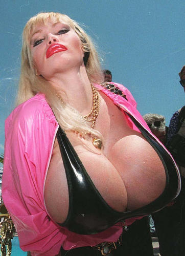 лола ферари огромные сиськи фото онлайн