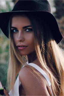 Mia Yates