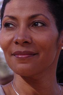 Nicole Cummins