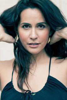 Nina Leon