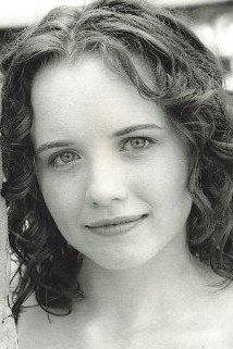 Phoebe Strole