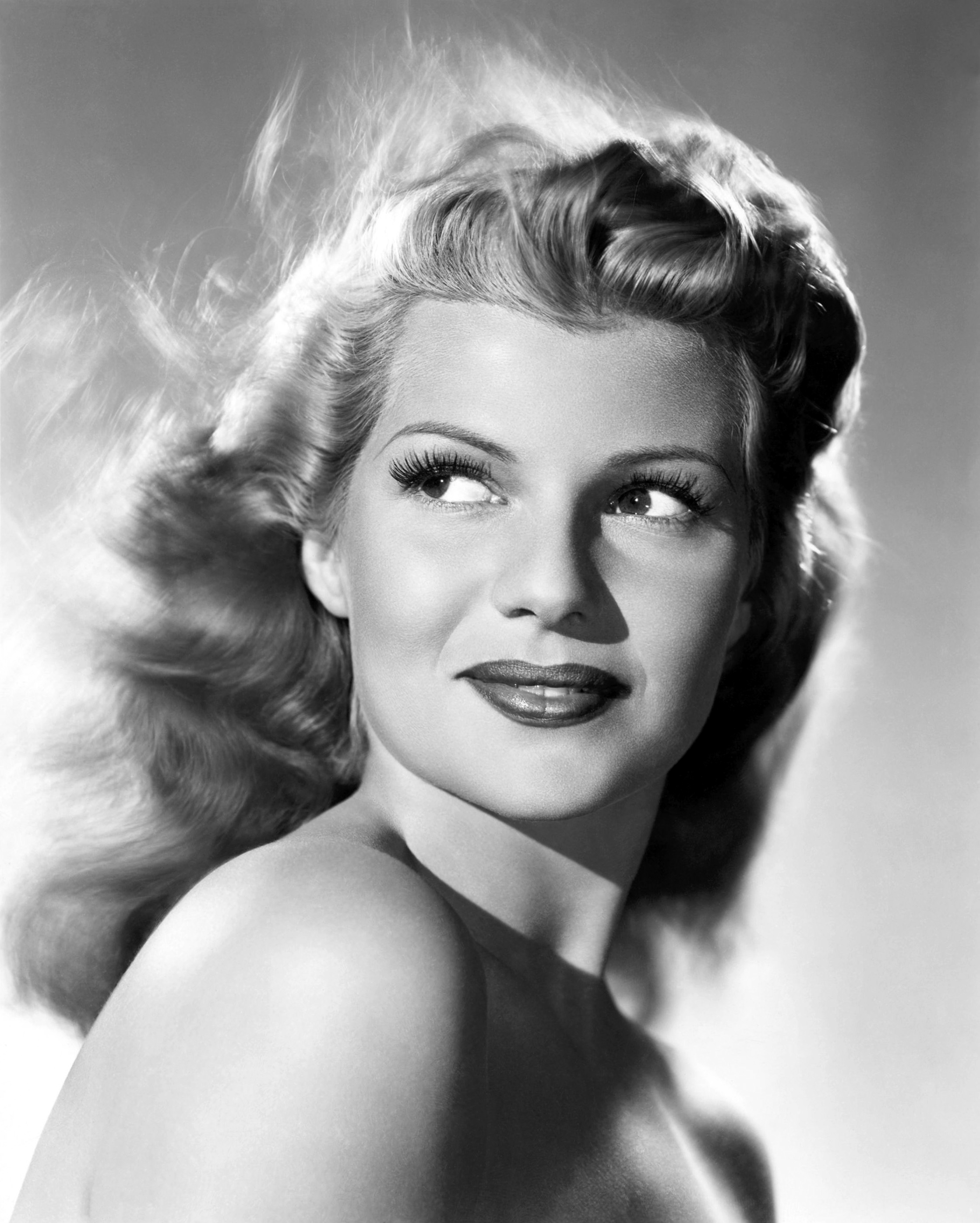 Rita Hayworth - Wallpaper Hot