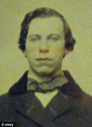 Reinkarnace Johna Travolty z roku 1860