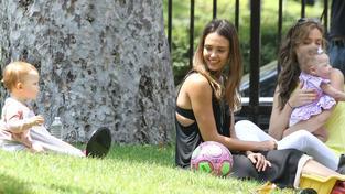 Jessica Alba s mladší dcerou