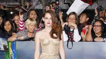 Kristen Stewart se nestydí, na premiéru Twilightu si oblékla průhledné šaty