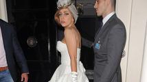 Lady Gaga se bude vdávat v šatech od Donatelly Versace!