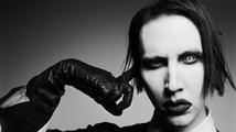 Víte, jak vypadá Marilyn Manson bez make-upu? Je to docela nudný chlapík!