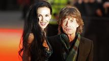 Přítelkyně Micka Jaggera spáchala sebevraždu