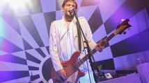 Poslední turné Klaxons: v Praze kapele tleskala i Keira Knightley