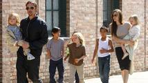 Angelina Jolie: Její děti hlídá 'kyber ochranka'