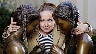 Bára Basiková: 'Neznám nikoho, kdo by nebral drogy'