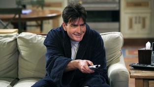 Charlie Sheen jedná o návratu do seriálu Dva a půl chlapa