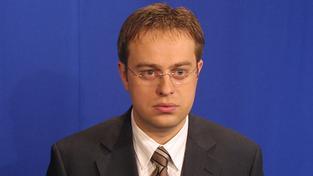 Václav Moravec se přiznal k homosexualitě. Nebo ne?