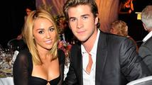 Miley Cyrus a Liam Hemsworth: Jen kamarádi, nebo něco víc?