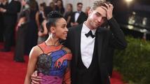 FKA twigs o vztahu s Pattinsonem: 'V určitých ohledech je to opravdu těžké'