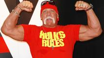 Známý americký wrestler a herec má z ostudy kabát. Projevil se jako hulvát a rasista!