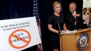 Amy Schumer o střelbě na promítání Vykolejené: 'Zlomilo mi to srdce'