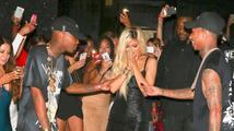 Kylie Jenner oslavila osmnáctiny. Neuvěříte, co dostala od svého přítele.