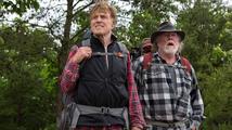 Skoro osmdesátník Redford se s krosnou na zádech toulá po lesích a o důchodu nechce ani slyšet