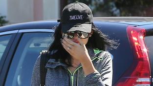 Kylie Jenner v ohrožení: Agresivní fanoušek se jí snažil vyškubnout vlasy