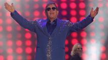 Elton John se dočkal vytouženého telefonátu od Putina. Tentokrát skutečného