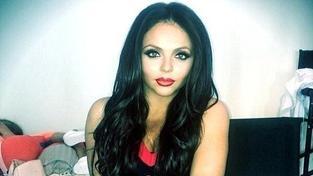 Jesy Nelson předčasně opustila turné Little Mix. Co se stalo?