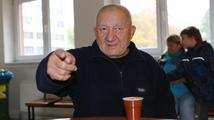 Dobrácký hromotluk Zdeněk Srstka zavzpomínal na své dětství: 'Každej mi dal přes držku!'