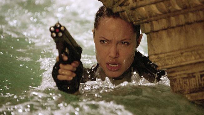 Angelina Jolie jako Lara Croft ve filmu Lara Croft - Tomb Raider: Kolébka života
