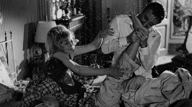 Elke Sommer a Peter Sellers ve filmu Komisař Closeau na stopě