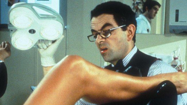 Rowan Atkinson ve filmu Možná, miláčku