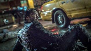 Filmové premiéry: Sdružení nájemných zabijáků a velké rock´n´rollové dobrodružství