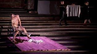 Divadelní premiéra: Podzemí legendárního Kina 64 U Hradeb ožije pohybovým představením The Trial