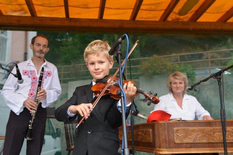 Cimbálová muzika Dušana Kotlára