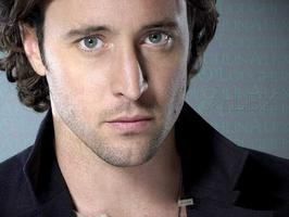 Tapeta: Alex O'Loughlin