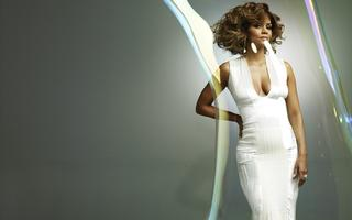 Tapeta: Halle Berry