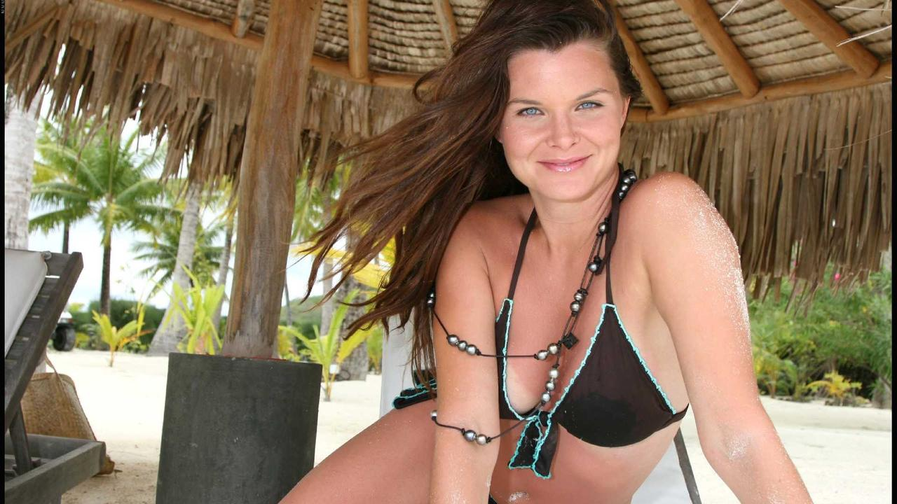 Heather Tom wallpaper 1280x720 full cup bras pictures bikini model women