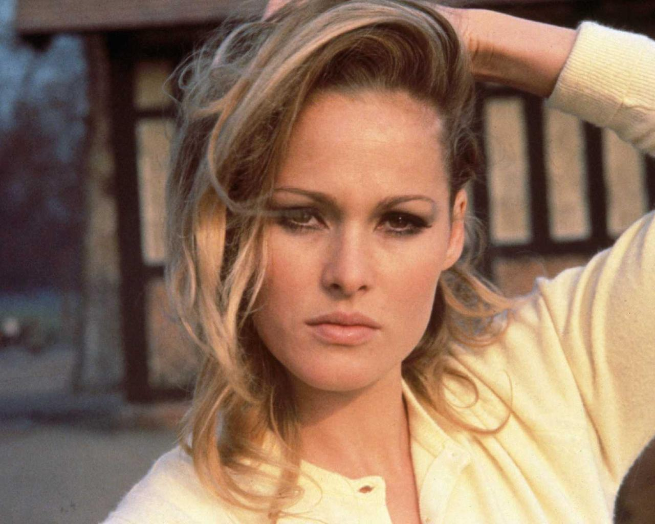 Ursula Andress. ursula andress