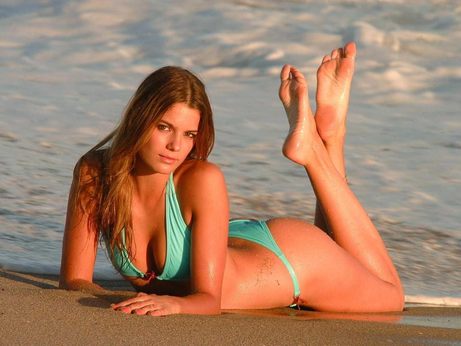 Dani behr bikini latifah porno venezuela