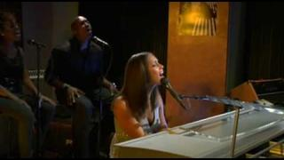 Alicia Keys - Try Sleeping With a Broken Heart [Live Acoustic Version]