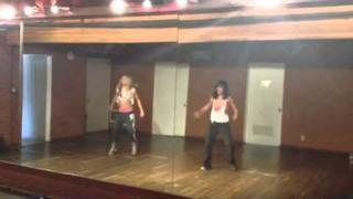 Ashley Tisdale and Vanessa Hudgens do the Beyonce 'Run The World (Girls)' Dance