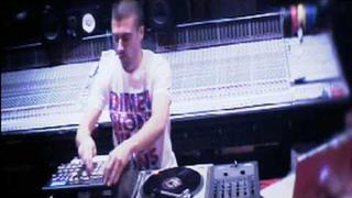 Dizz1 Live Demo @ 301 Studios Sydney