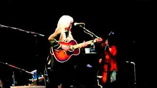 Emmylou Harris - Iris DeMent - Wildwood Flower - an AP Carter song