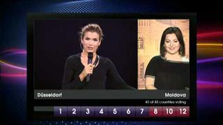 Eurovision 2011 final dress rehearsal - Geta Burlacu appears out of thin air...