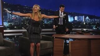 Jennifer Aniston v show Jemmyho Kimmela - Leden 2013